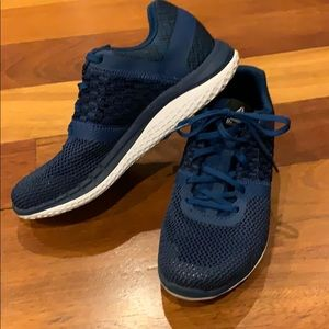 Women's teal blue Reebok sneakers/running shoes